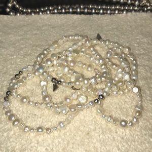 Set of fw pearl stretch bracelets